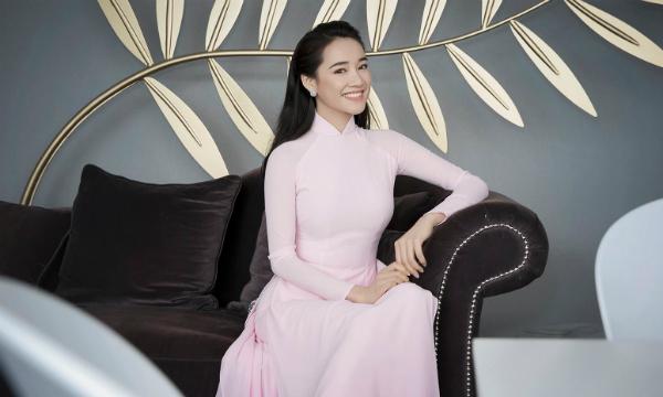 Nhã Phương muốn chia sẻ niềm vui về chuyện sắp kết hôn với fan.