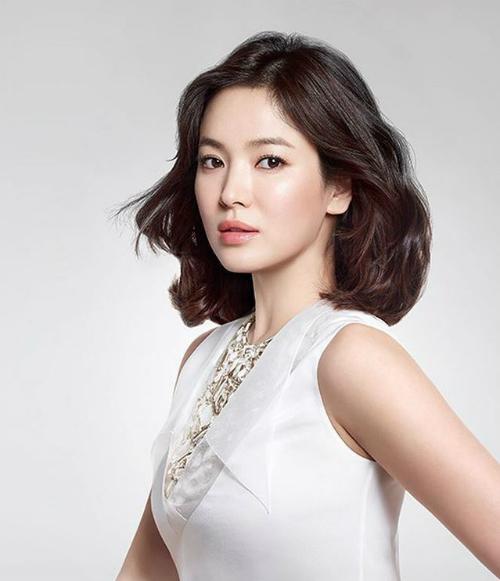 Thời gian gần đây, Song Hye Kyo có màn tái xuất ấn tượng với khán giả sau một thời gian yên ắng. Nữ diễn viên đang là