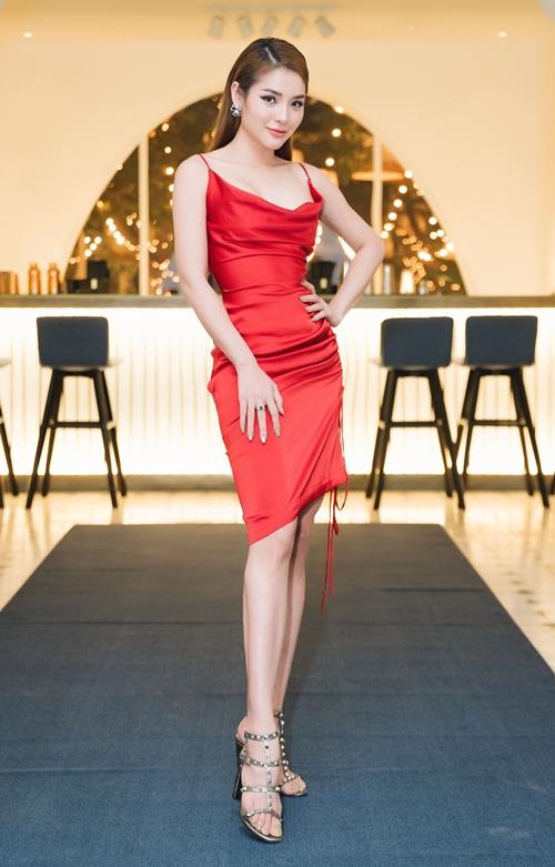 Phương Trinh Jolie: Từng muốn bỏ nghề qua Mỹ làm nail vì khó khăn