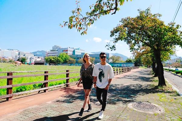 Ưng Hoàng Phúc - Kim Cương khóa môi ngọt ở Hàn Quốc - 1