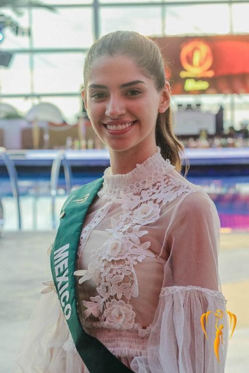 Nhan sắc 20 tuổi đến từ Mexico là một trong những thí sinh được khán giả ủng hộ nhiệt tình. Ngoài gương mặt cân đối, cô sở hữu chiều cao 1m82 cùng vóc dáng chuẩn chỉnh.