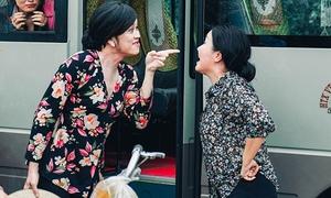 Hoài Linh suýt ăn chém vì gây náo loạn trong 'Tay buôn, buông tay'