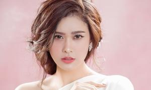 Trương Quỳnh Anh đẹp mơ màng trong loạt ảnh mới