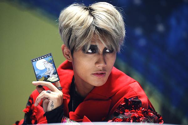 Vẻ điển trai của học trò Tóc Tiên vừa debut trong mùa Halloween - 6