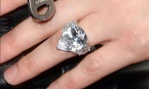 Chủ nhân của những chiếc nhẫn này là ai? (2)