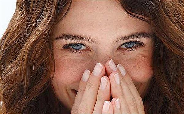 Những biến đổi khác lạ trên cơ thể cho biết bạn đang bị bệnh - 1