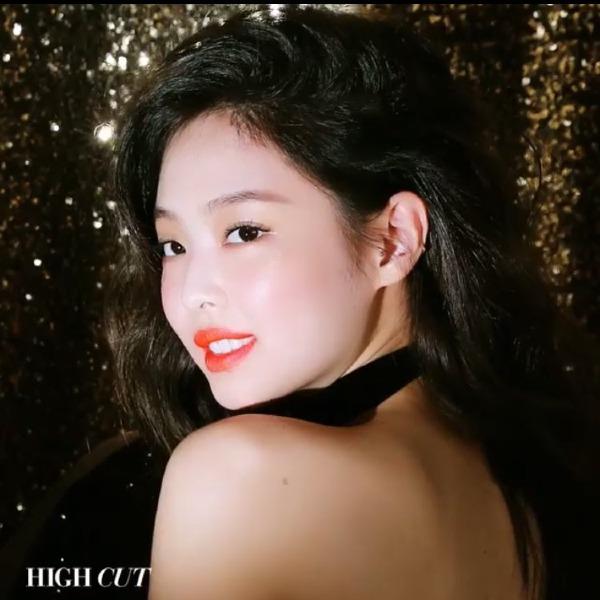 Fan bội thực trước loạt video mới khoe visual xuất thần của Jennie - 1