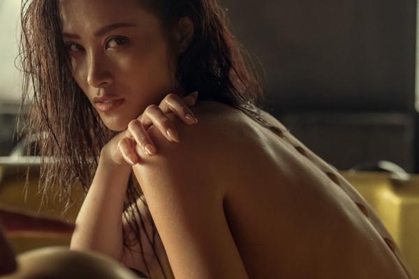 Đông Nhi tung MV mới với 11 tạo hình không khác nào phim kinh dị