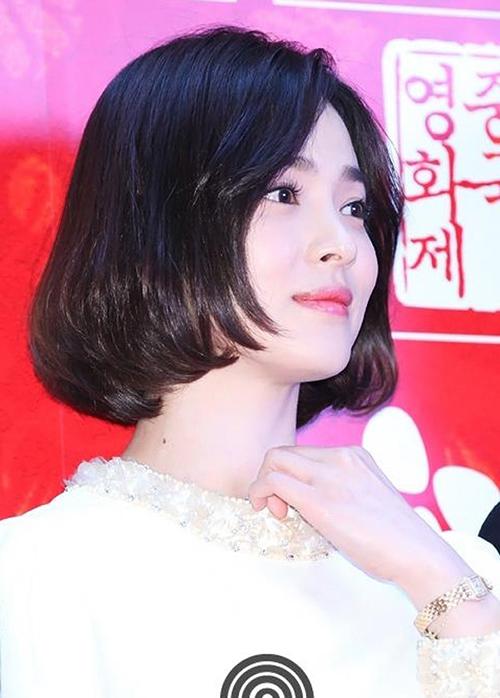 Nữ diễn viên sinh năm 1981 trông trẻ hơn tuổi thật cả chục tuổi khi để tóc ngắn.