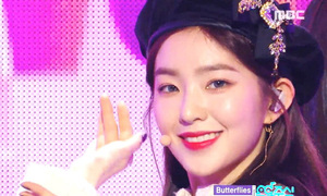 Irene xứng đáng là 'Nữ hoàng mũ beret' trên sân khấu