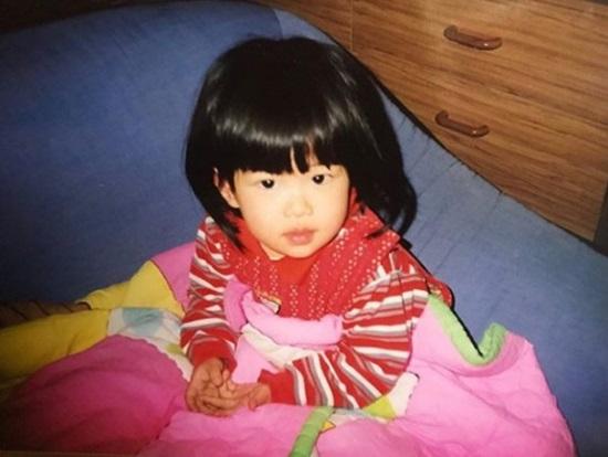 Thuở baby siêu dễ thương này là idol Hàn nào? - 2