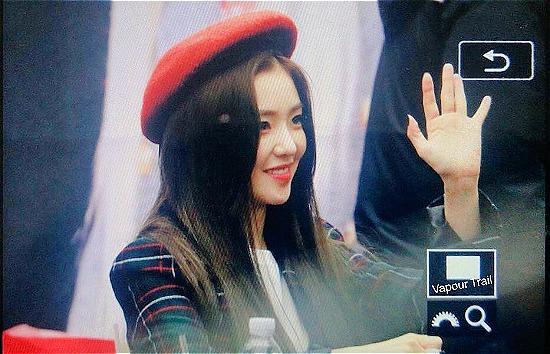 Irene xứng đáng là Nữ hoàng mũ beret trên sân khấu - 6