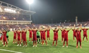 Tuyển Việt Nam ăn mừng vào chung kết AFF bằng điệu Viking quen thuộc