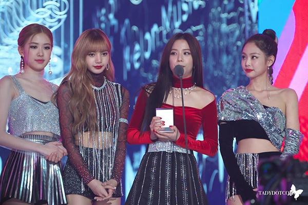 BXH thương hiệu girlgroup tháng 12: Twice dẫn đầu, IZONE vượt mặt Red Velvet - 1