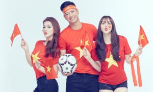 Trang Nhung rủ rê hội bạn thân cổ vũ tuyển Việt Nam trước giờ G
