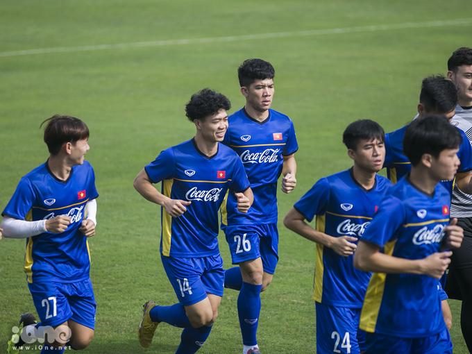Công Phượng tóc 'xù mì', Văn Toàn 'đầu bạc' trước Asian Cup 2019