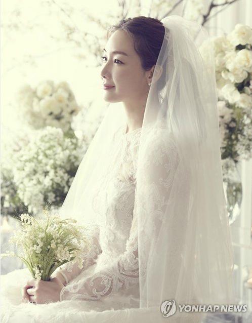 Ảnh cưới đẹp lung linh của Choi Ji Woo.