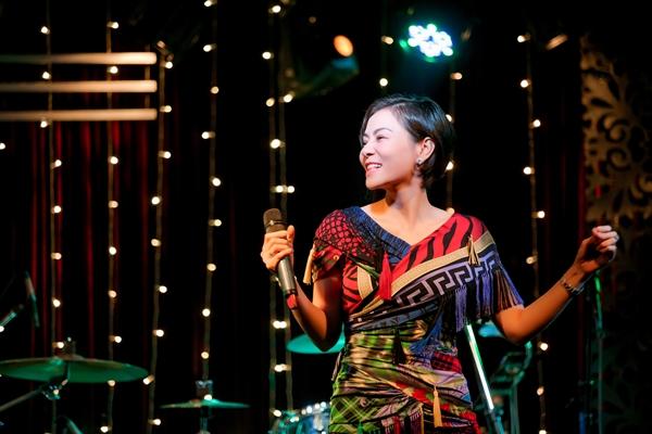 Thu Minh và trò cưng nhảy vũ điệu cày bừa vui nhộn mừng Giáng sinh - 4