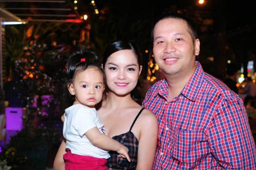 Phạm Quỳnh Anh và chồng thuở còn hạnh phúc.