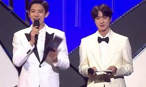 Fan BTS và EXO hãy nhìn Jin - Chan Yeol để 'hướng tới một thế giới hòa bình'