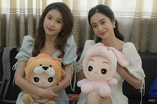 Midu và Jun Vũ đọ vẻ ngọt ngào, ngây thơ một chín một mười.