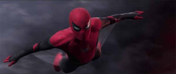 Bộ giáp mới của Peter khiến fan phấn khích.