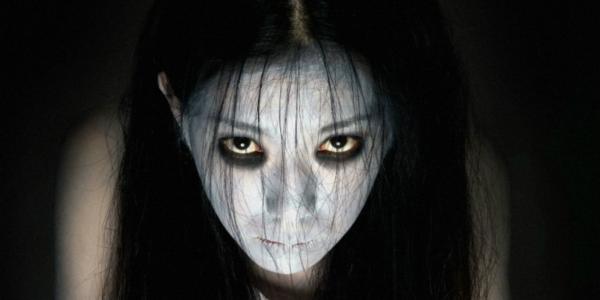 Phiên bản Sadako của Mỹ ở phần đầu tiên của The Grudge.