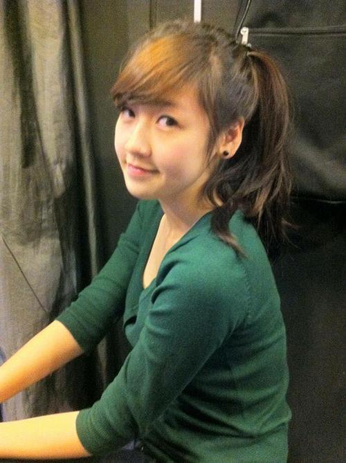 Dương Tú Anh khoe ảnh hồi vẫn còn là teen girl, gương mặt bầu bĩnh, đáng yêu như búp bê.