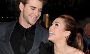 Miley khiến fan cười xỉu với màn đáp trả tin đồn 'cưới chạy bầu'