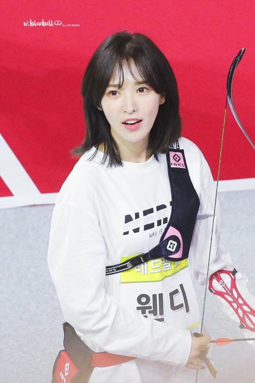 Sự bùng nổ nhan sắc của Wendy với kiểu tóc ngắn khiến nó trở thành xu hướng được giới trẻ Hàn yêu thích.