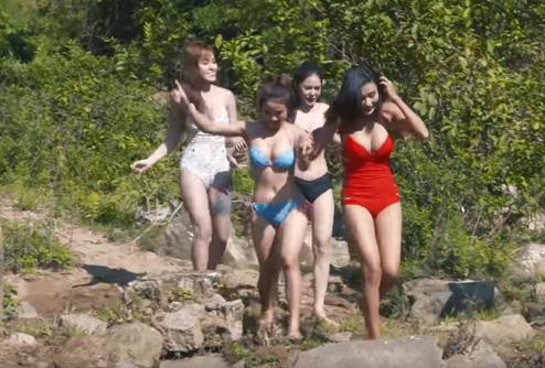 Cảnh quay mát mẻ trong hài Tết Bản nhiều vợ.