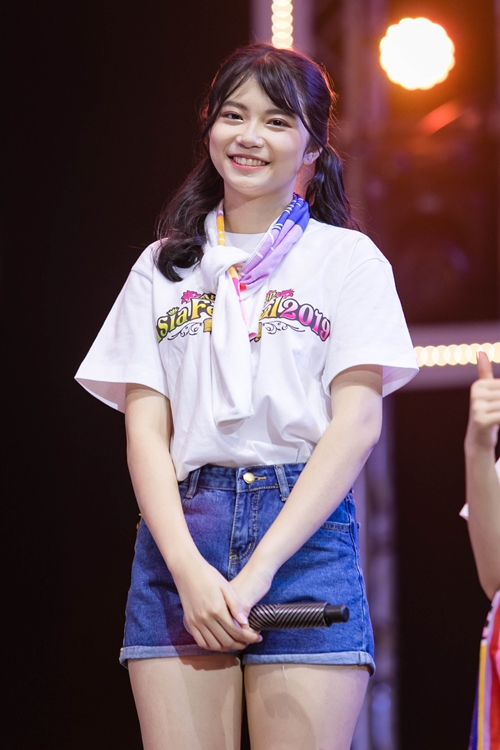 SGO48 - nhóm nhạc chị em của AKB48 tại Việt Nam debut chính thức vào 22/12/2018. Nhóm gồm 28 thành viên có độ tuổi từ 12 - 21, là những bạn học sinh chưa từng nổi tiếng, không có kinh nghiệm sân khấu, ca hát, nhảy múa... Tuy chỉ mới ra mắt vào 2 tháng nhưng các cô nàng đã chứng minh sự tiến bộ sau khi xuất hiện ở nhiều sân khấu lớn.