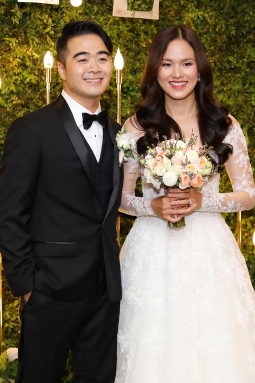 Tuyết Lan kết hôn.