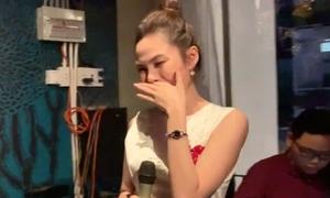 Lưu Hiền Trinh bật khóc khi cover hit của Hương Giang