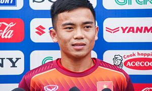 U23 Lương Hoàng Nam: 'Thật khó khăn khi cạnh tranh vị trí với Quang Hải'