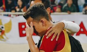 Cầu thủ U23 Indonesia bật khóc vì để thua Việt Nam phút chót