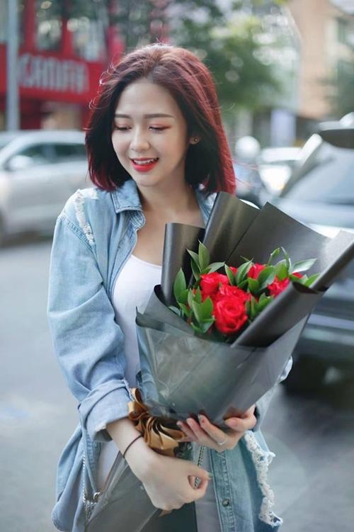 Vẻ gợi cảm của bạn gái tin đồn Trịnh Thăng Bình - 9