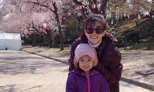 Mai Phương dẫn con gái đi Nhật ngắm hoa anh đào