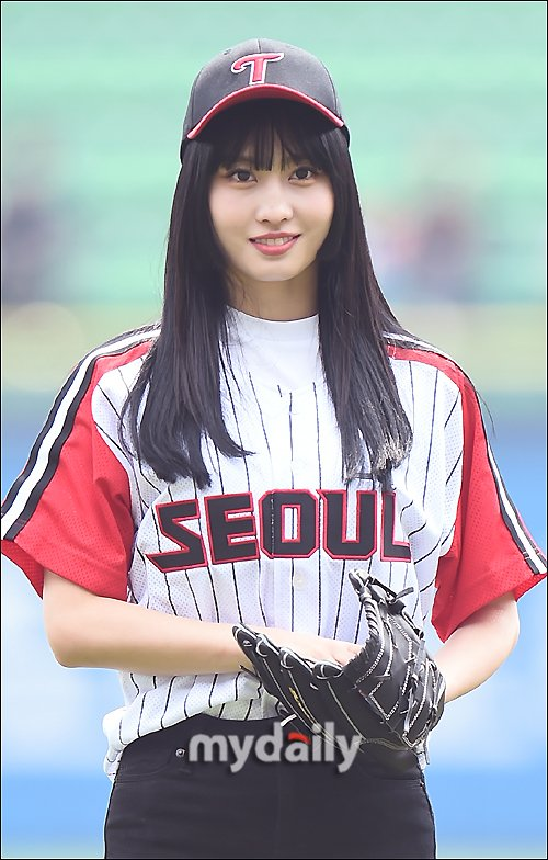 Thành viên Twice được ca ngợi là có nét đẹp Nhật Bản đặc trưng, không hề Hàn hóa như nhiều idol khác khi hoạt động ở Kpop.