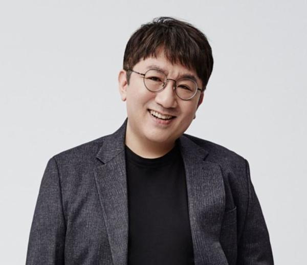 Giám đốc điều hành hàng đầu Kpop:1. Bang Shi Hyuk (26 phiếu)2. Lee Soo Man (16 phiếu)3. Park Jin Young (12 phiếu)4. Yang Hyun Suk (7 phiếu)