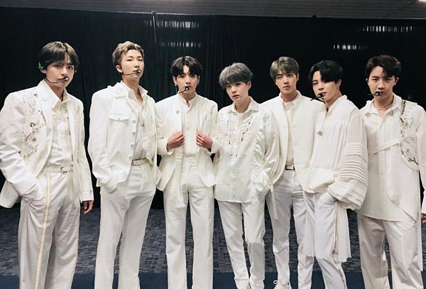 BTS đã hoàn thành xong thời gian quảng bá Boy with Luv để bước vào chuyến lưu diễn lớn trong năm 2019.