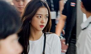 Ảnh chụp vội chứng minh nhan sắc hiếm thấy của Ji Soo (Black Pink)