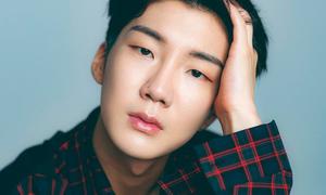 Netizen chỉ trích nhân cách của 'gà' nhà YG sau scandal của Seung Hoon