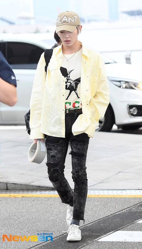 Tae Yoong luôn là chàng trai có gu thời trang ấn tượng nhất nhóm.