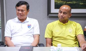 Thái Lan sa thải HLV Sirisak sau thảm bại tại King's Cup