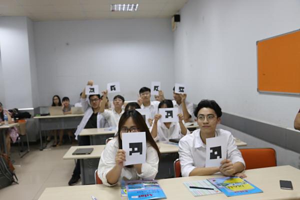 Mã học sinh cùng ký hiệu về đáp án A, B, C, D được tích hợp trên giấy in.