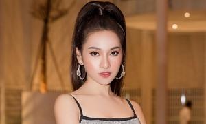 Sara Lưu khoe eo thon, phủ nhận tin đồn bầu bí