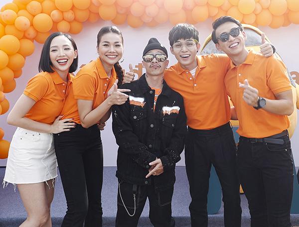 Sự kiện còn có sự góp mặt của Jun Phạm (thứ haiphảisang),Việt Max - một trong những tên tuổi có tiếng của giới underground và streetwear