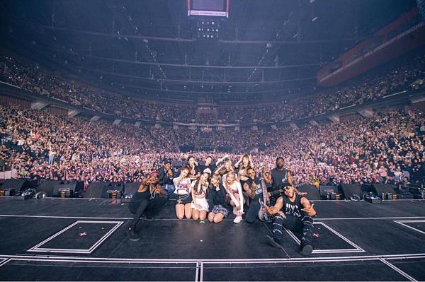 Black Pink cũng chăm chỉ chạy tour trong 2019.