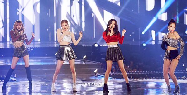 Ngày 1/12/2018, Black Pink nhận giải Top 10 Artists và Best Female Dance tại Melon Music Awards.